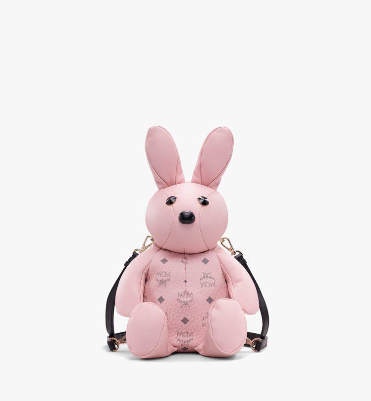 Zoo粉色兔子後背包,售價25,500元。圖/MCM提供