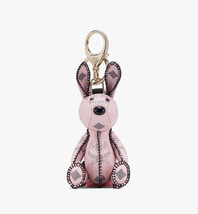 Zoo粉色兔子吊飾,售價7,500元。圖/MCM提供