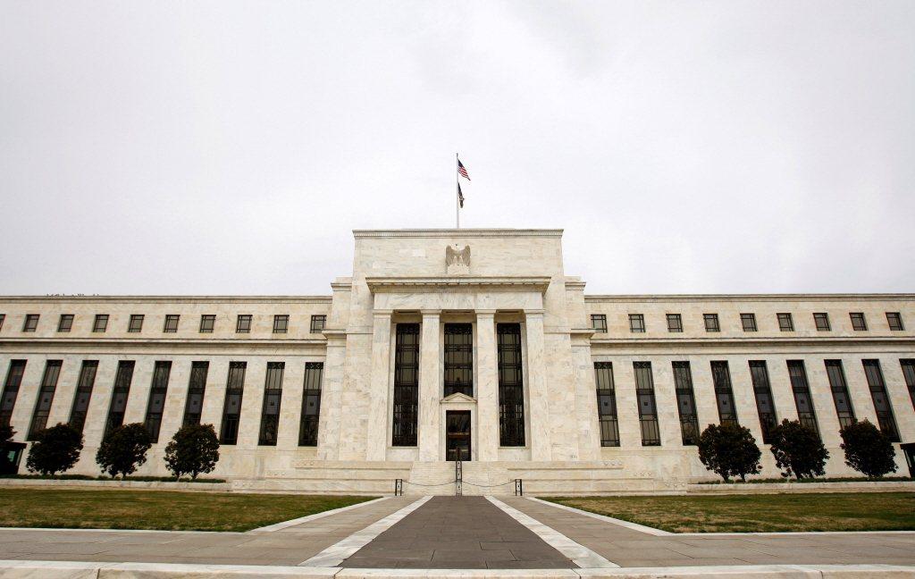 知情人士指出,聯準會聯準會不大可能下令銀行業停發股利。路透