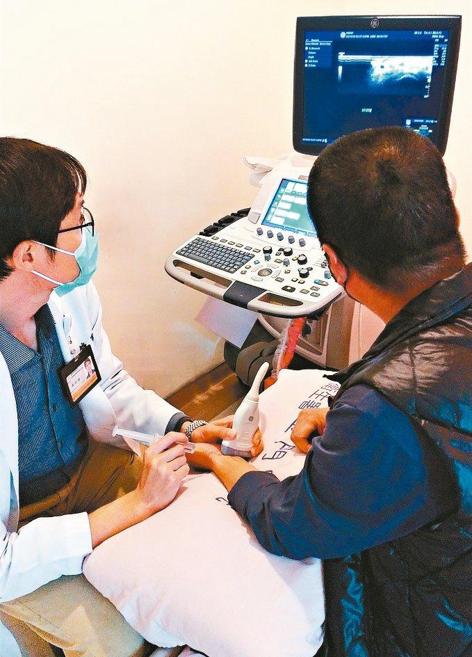 衛福部金門醫院復健科主治醫師蔡昀錚說,腕隧道症候群是因正中神經通過手腕時,被肥厚...