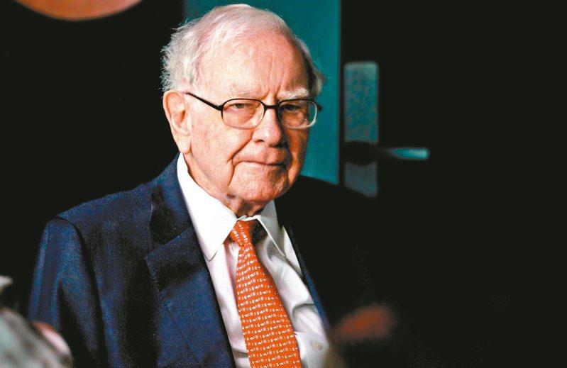 「股神」巴菲特(圖)的波克夏公司表示出售了達美航空公司的部分持股。 美聯社、路透