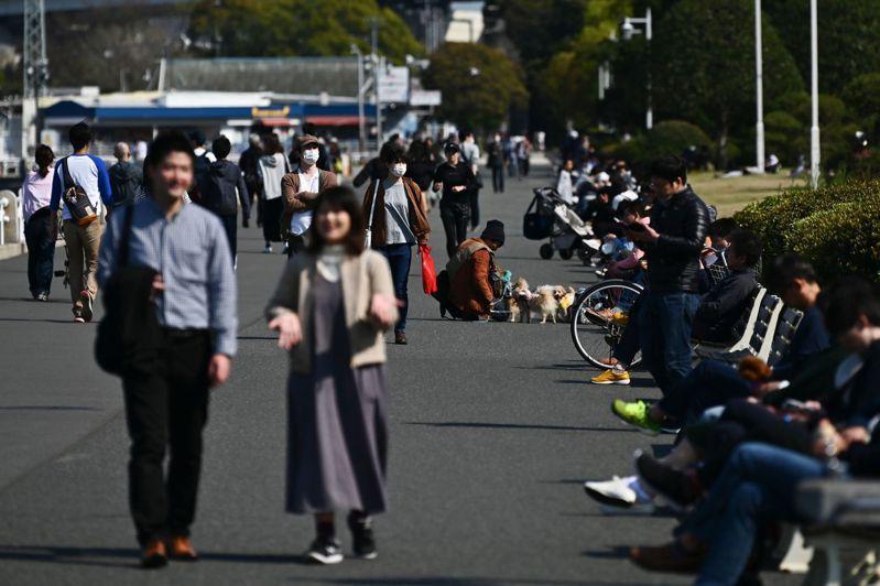 日本放送協會(NHK)報導,日本東京都政府相關人士表示,今天新增2019冠狀病毒疾病(COVID-19)病例約100例。圖/法新社