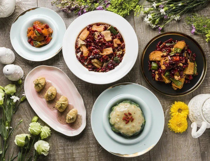 心齋店內提供多樣化的素食料理。圖/心齋提供