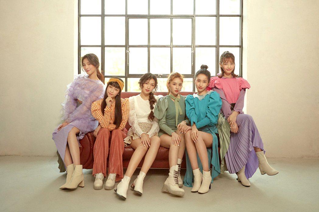 由陳子鴻打造全新女團,「PER6IX」成員李紫嫣(左起)、馬瑋伶、申力安、王加瑄