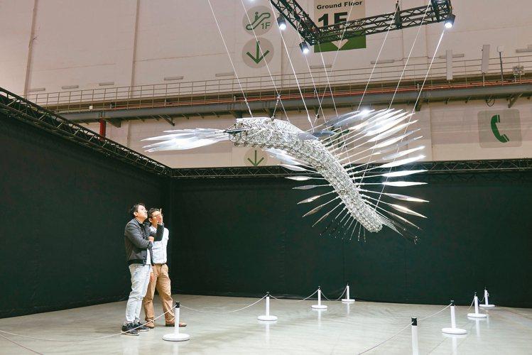 台北當代藝術博覽會豪華朗機工作品。 圖/誠品畫廊提供