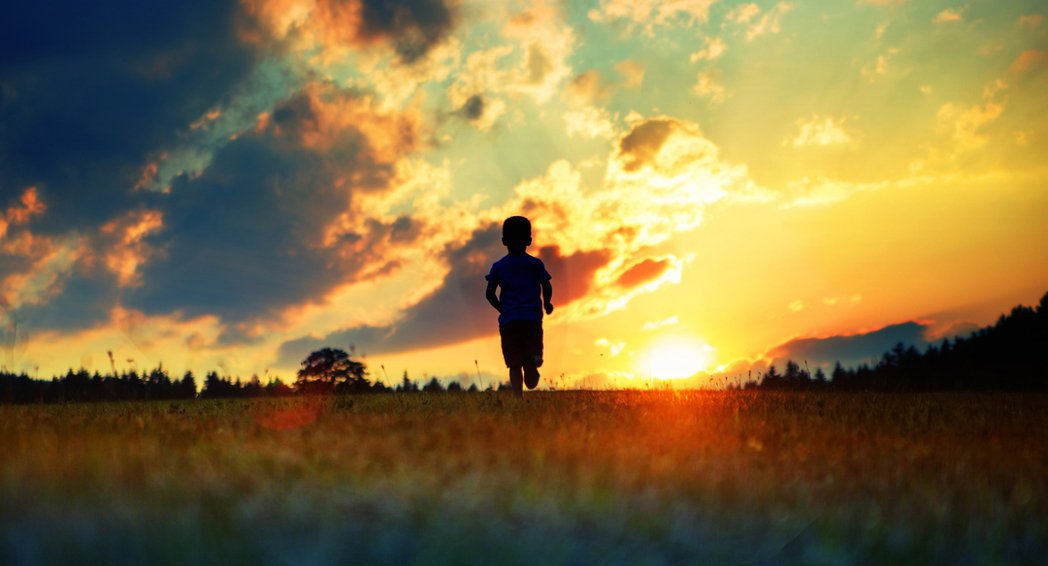 北部一名5歲男童連假時跟家人至東部某景點遊玩,回來後出現「社區型肺炎症狀」。 示...