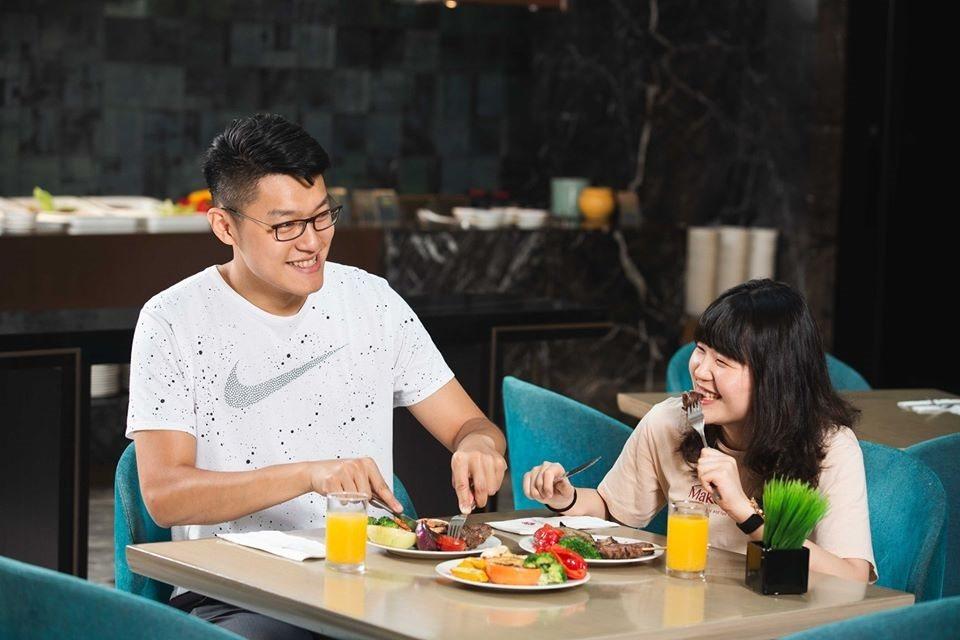 台北王朝大酒店主打多元主題場地,無論是中式或西式皆能滿足師生辦趴的需求。王朝大酒...