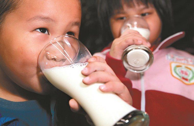 我國「每日飲食指南」建議,每日熱量攝取在兩千五百大卡以下者,包含多數成人與嬰幼兒...
