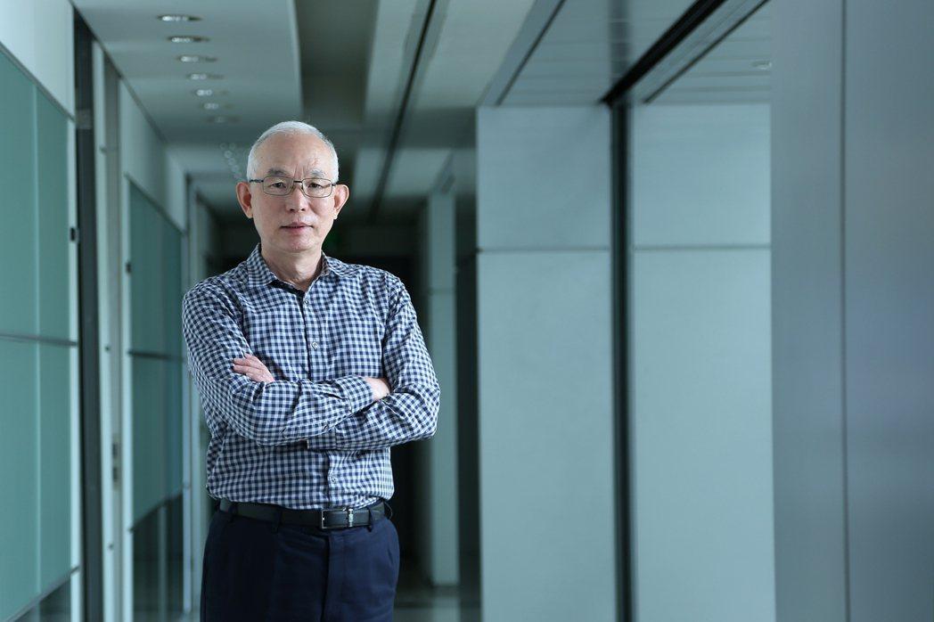 亞太電信總經理黃南仁以資深電信人經驗,談「頻寬」數字背後意義。 亞太電信/提供