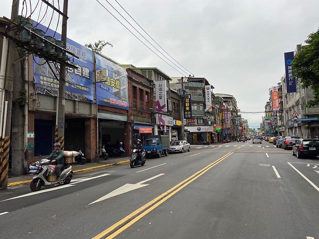 安信鎖定台北大同區整排連棟逾50年以上之高齡透天老宅,為危老重建首推的核心區域。...