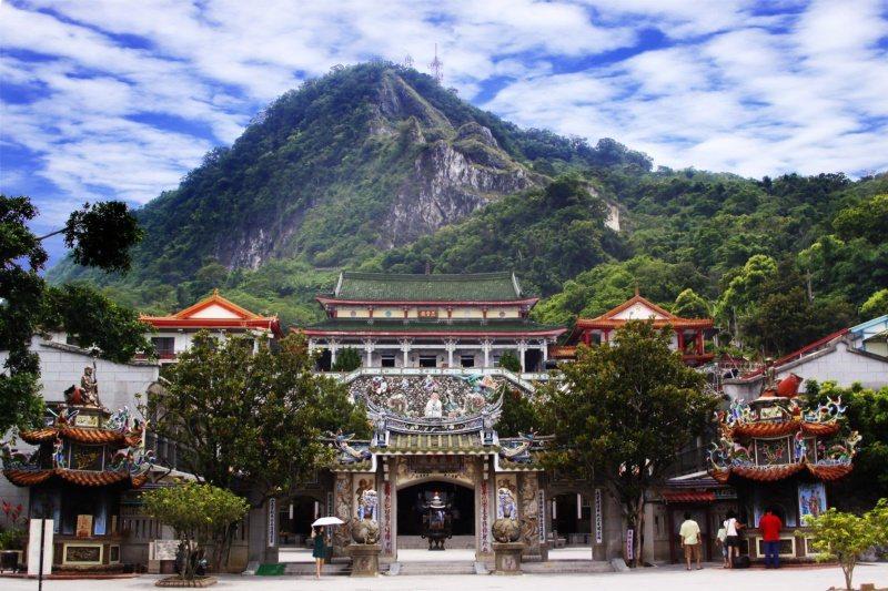 火山碧雲寺古剎,依山綿延而建,氣勢磅礡。 圖/台南市政府觀光旅遊局提供