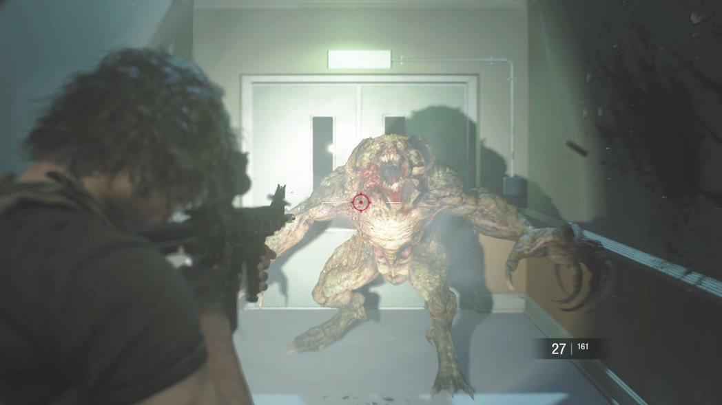 本次的敵人強度均有提升,尤其是回歸的「獵人」擁有一擊必殺的能力,相當可怕。
