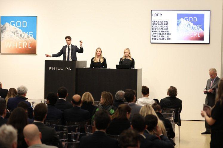 富藝斯香港春拍將延期至7月5日。圖為今年二月中於倫敦舉辦的20世紀當代藝術晚拍畫...