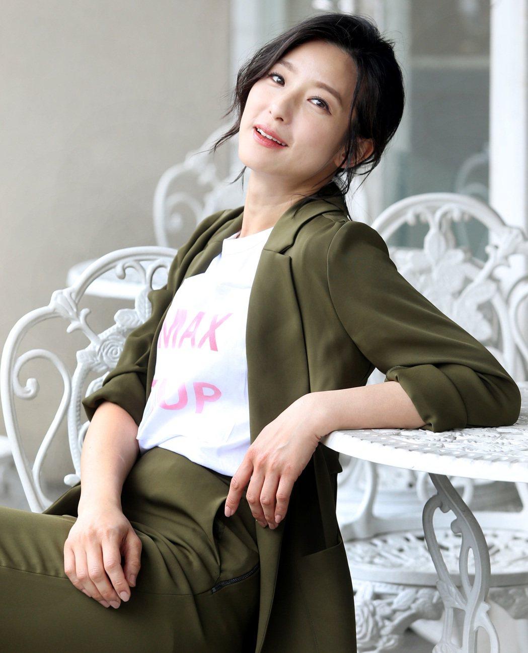 「逃出立法院」女主角賴雅妍一改氣質形象,化身脾氣爆燥的國會女神。記者侯永全/攝影