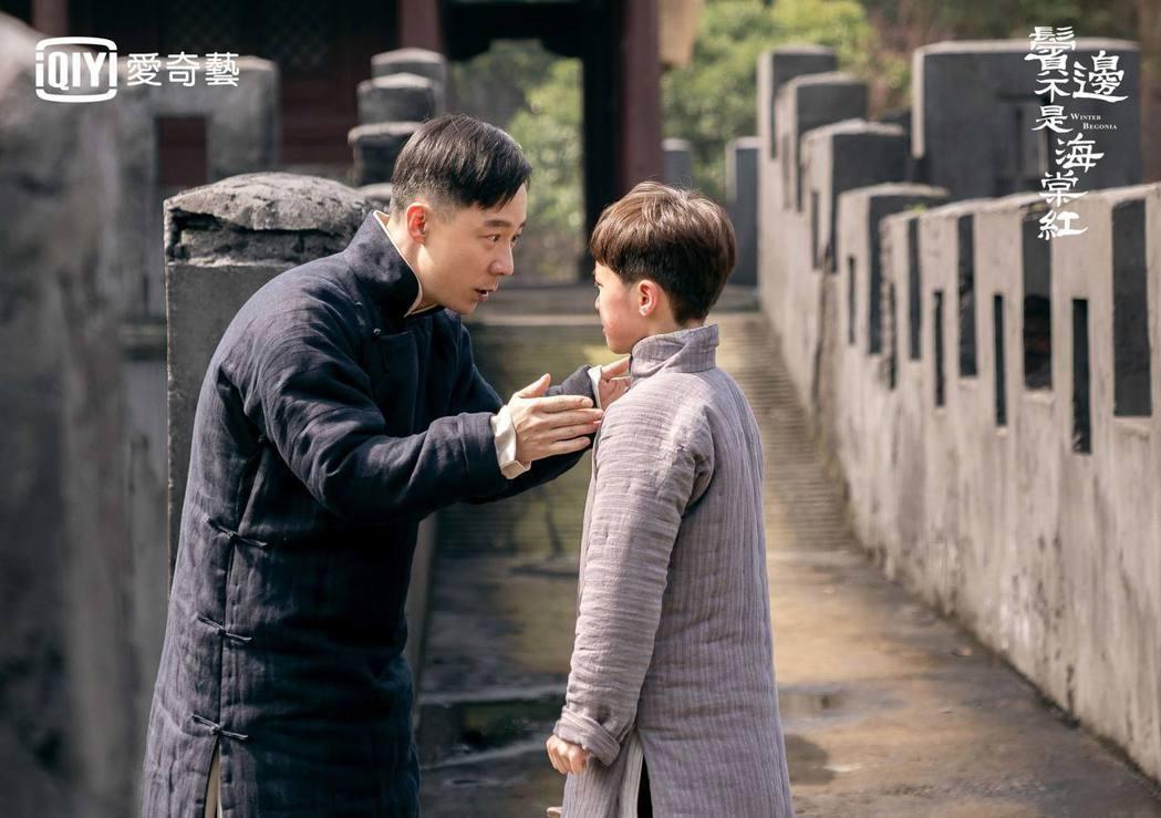 「延禧攻略」的「袁春望」王茂蕾(左)在「鬢邊不是海棠紅」中飾演商細蕊爸爸。圖/愛...