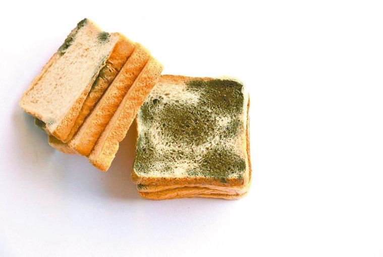 高溫濕熱,食物容易長出黴菌。 圖/123RF