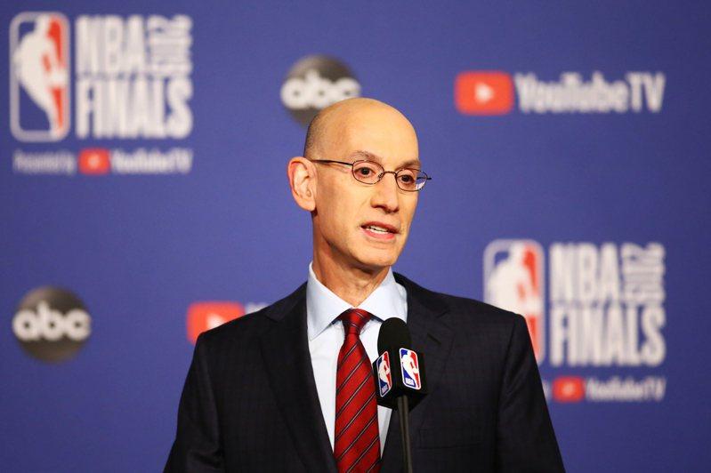 NBA主席席佛表示現階段有太多不確定因素,還不到做決定的時間。 法新社