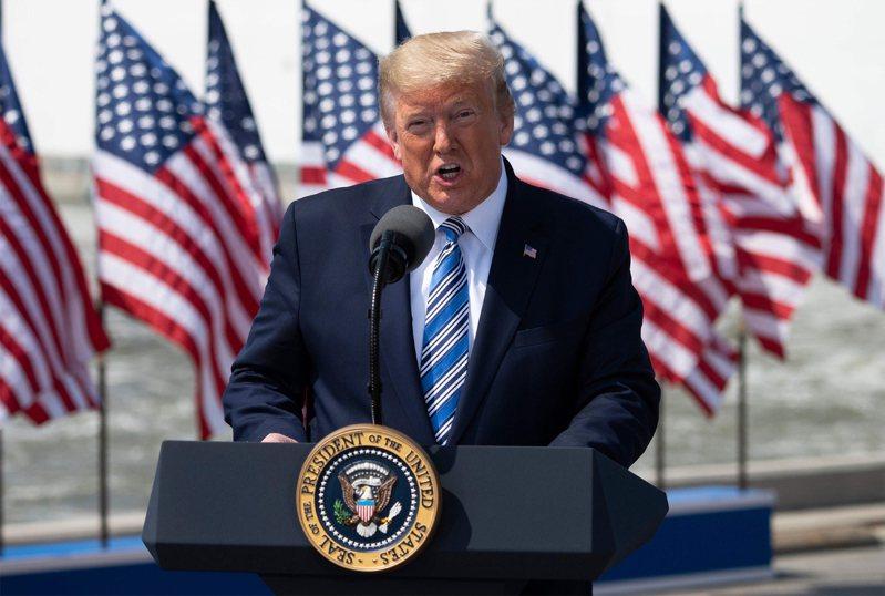 美國總統川普一開始對新冠肺炎疫情的輕忽態度,被認為是目前疫情失控的關鍵之一。法新社