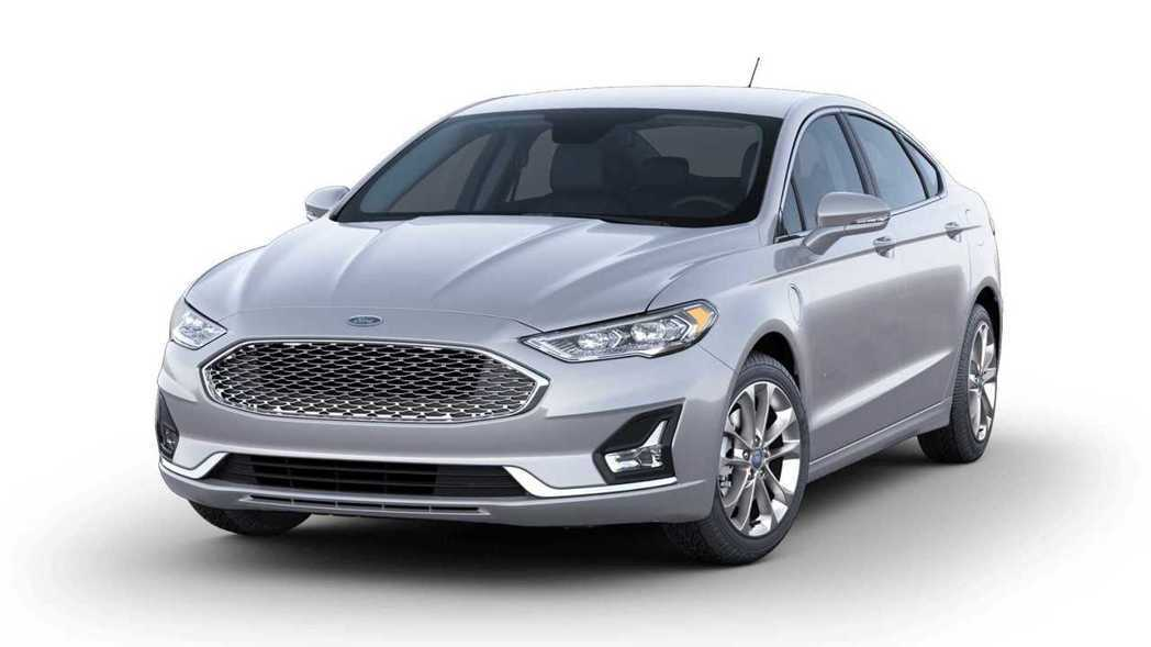 Ford Fusion 新車色Iconic Silver。 摘自Ford