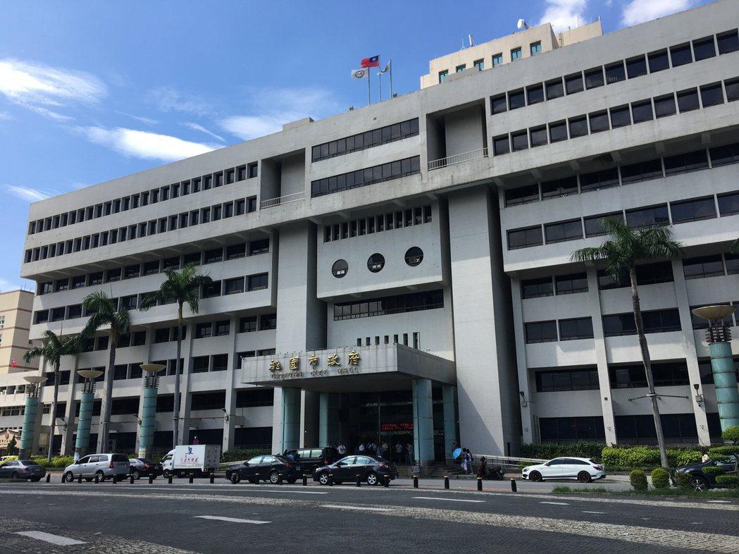 因應居家檢疫者外宿需求,桃園市政府已媒合轄內3家獨棟旅館作為「防疫旅館」,3家提...