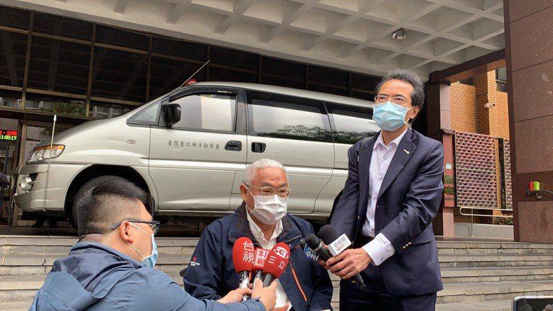 一名王姓女子指控廣告鬼才導演范瑞杰(原名范可欽)欠100萬元債務不還涉犯背信罪,范先前一度被台北地檢署以傳拘無著發布通緝。記者賴佩璇/攝影。