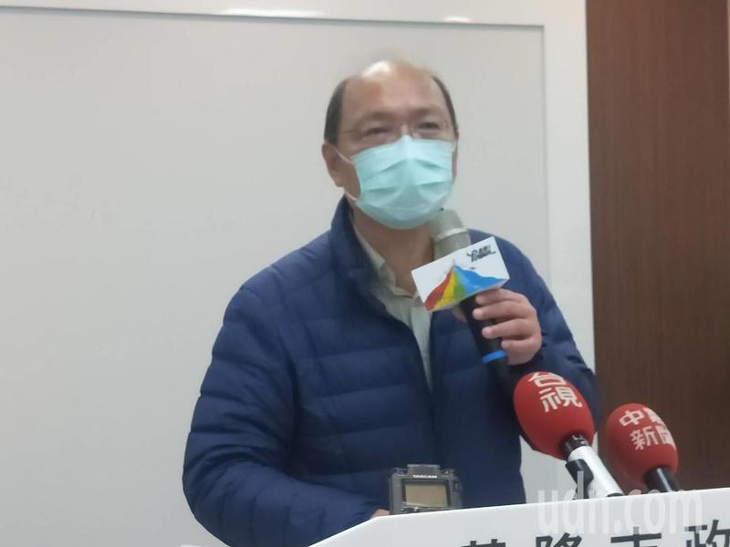 基隆一家4口違反居家檢疫跑台北就醫,衛生局長吳澤誠說明尚未決定裁罰金額。記者游明煌/攝影