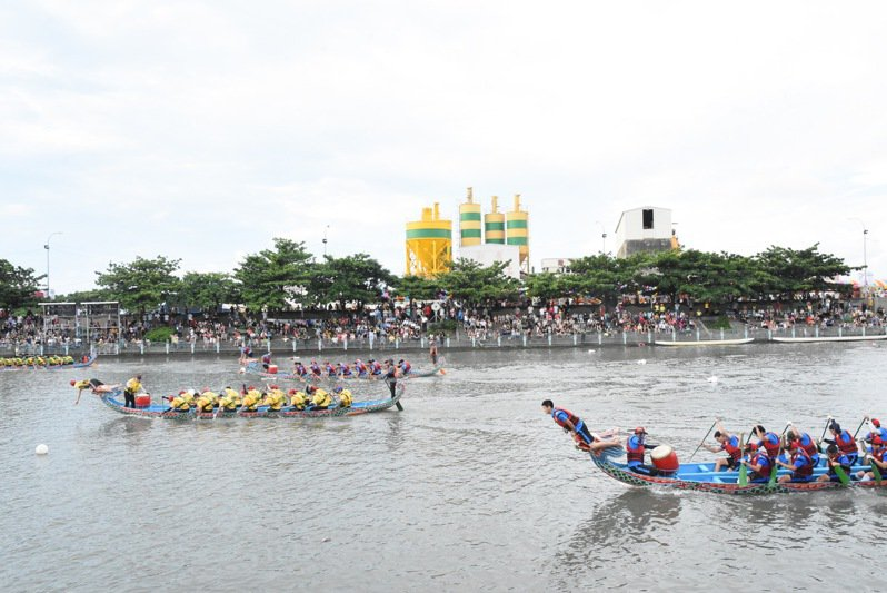 鹿港國際龍舟錦標賽每年都有上千名國內外選手參賽。圖/彰化縣政府提供