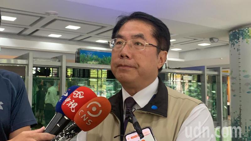 防疫升級,台南市長黃偉哲宣布公務人員及教師凡是去過夜市及市場都要自主健康管理。記者吳淑玲/攝影