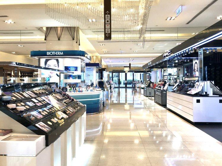 疫情時期,消費者減少對外接觸,帶動線上購物頻率增加。記者江佩君/攝影