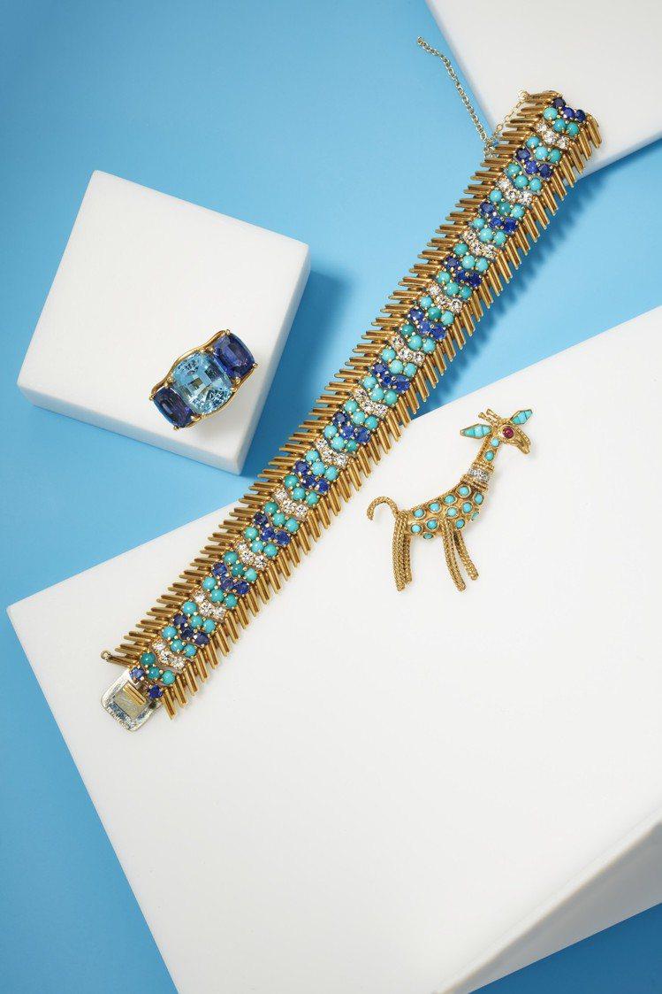(由左至右)Verdura的海水藍寶堇青石戒指,估價美金3,000元起。Tiff...
