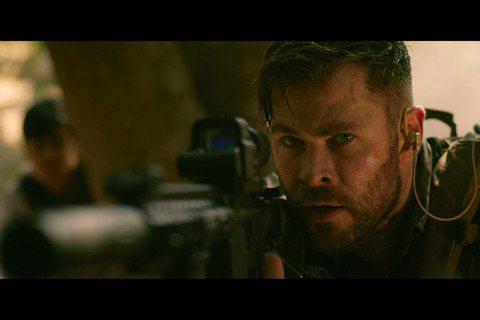 繼「復仇者聯盟4」刷新全球影史票房紀錄後,好萊塢金牌編導羅素兄弟(Russo Brothers)再度攜手「雷神」克里斯漢斯沃(Chris Hemsworth),在Netflix原創電影「驚天營救」(...