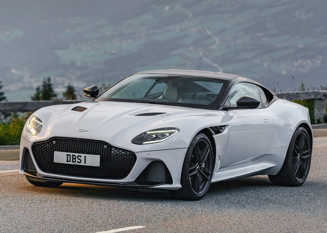 Aston Martin DBS Superleggera White Ston...
