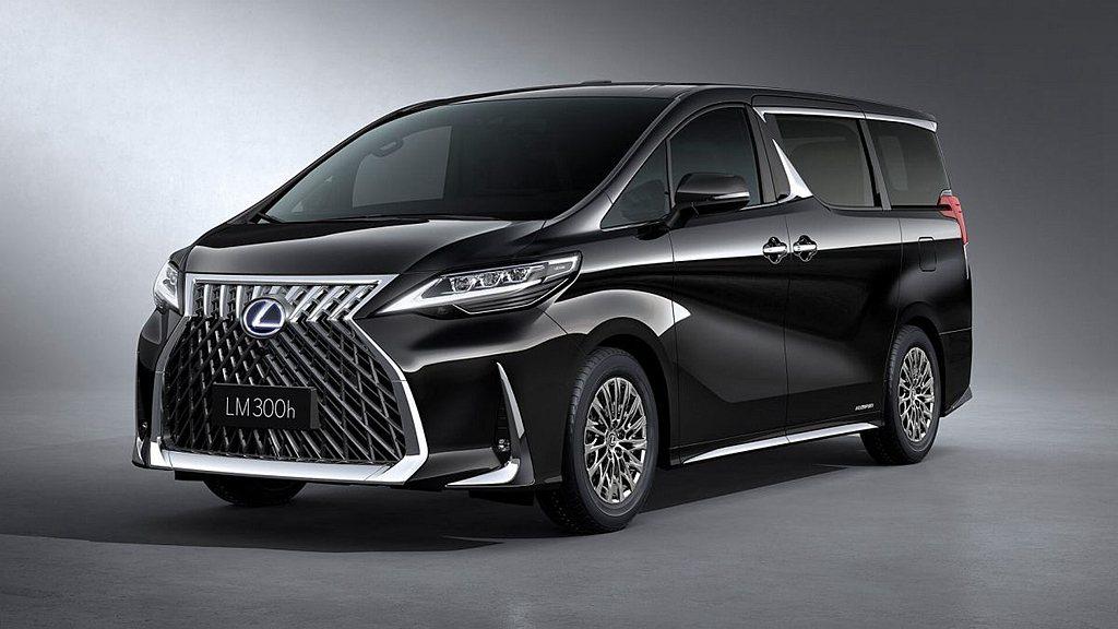Lexus LM在台灣採單一動力(LM 300h)、4人座與7人座兩種車型的銷售...