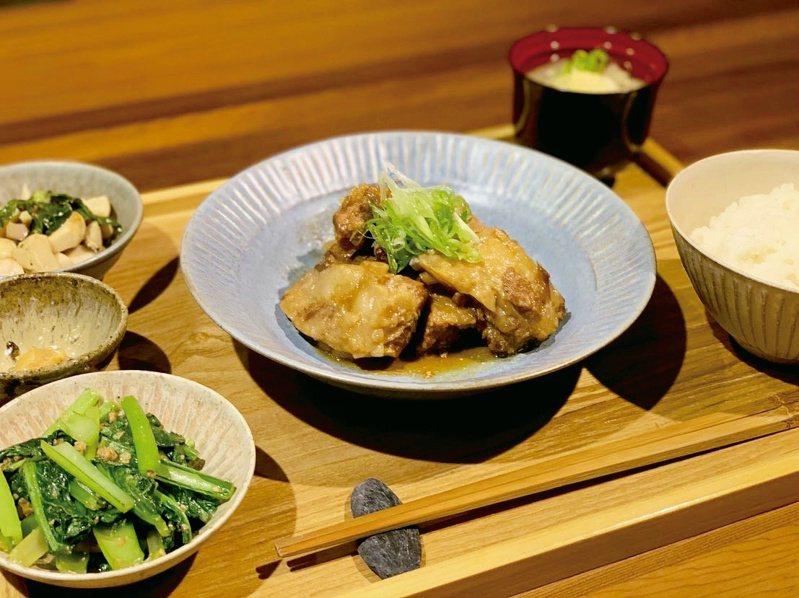 「泔米食堂」每日變化餐單,每一次入口都能感受食材新鮮滋味,店內陳設也營造出如同家的氛圍。 (2) 圖/泔米食堂