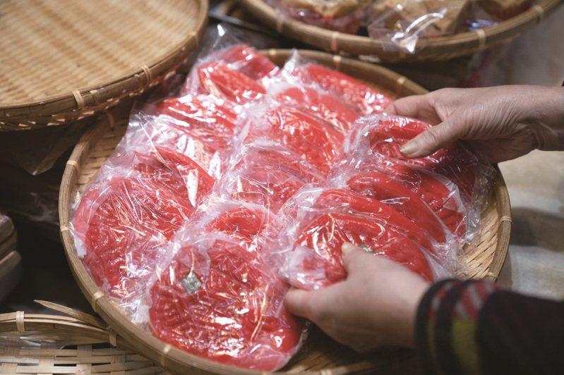 作為台北民俗信仰中心的萬華,米食粿點是口感柔軟的傳統點心,也是祭祀不可或缺的一味。 攝影-謝佩穎、祖孟萱