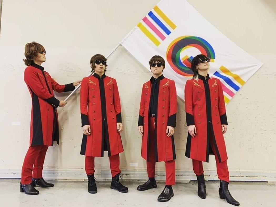 日本天團「GLAY」為醫療機關與前線醫護人員捐出1000萬日幣與5000個口罩。