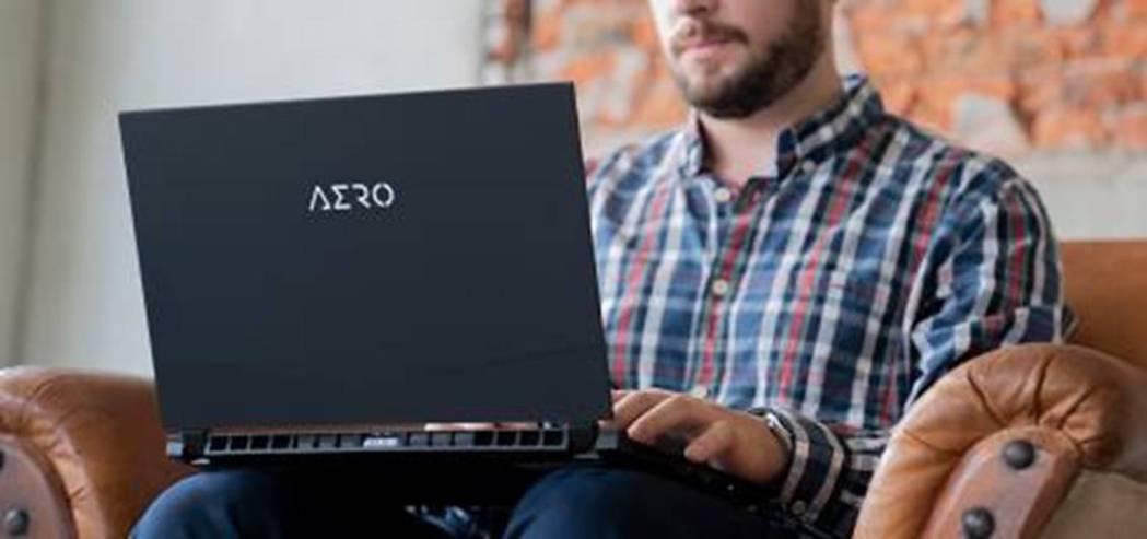 技嘉攜手展碁國際推出筆電租賃。圖/技嘉提供