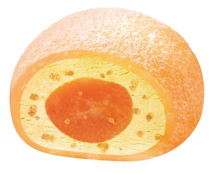 犁記鹹蛋黃鳳梨冰淇淋大福,售價49元。圖/7-ELEVEN提供