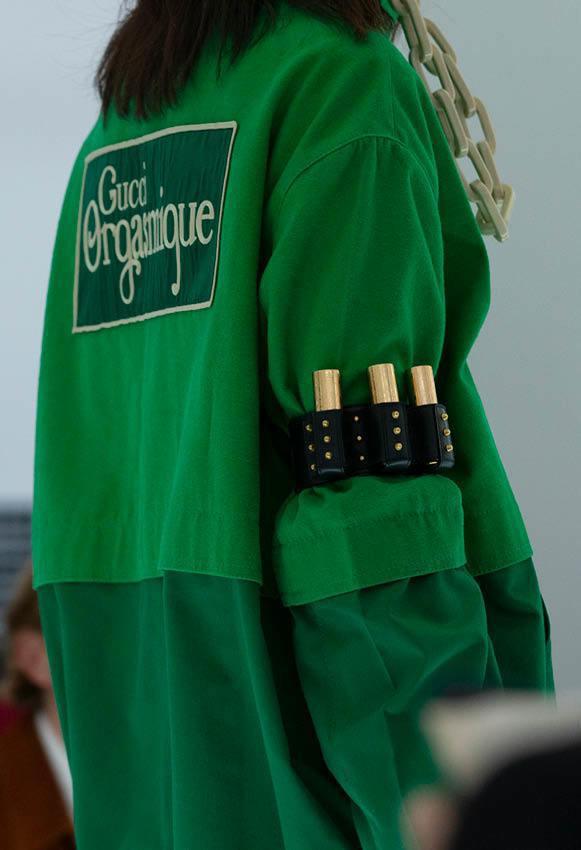 GUCCI子彈夾口紅收納配飾、手套等去年九月發表後就蔚為話題。圖/GUCCI提供