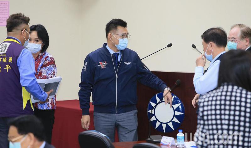 國民黨主席江啟臣(中)下午主持中常會,宣布啟動國民黨空間重設計。記者潘俊宏/攝影