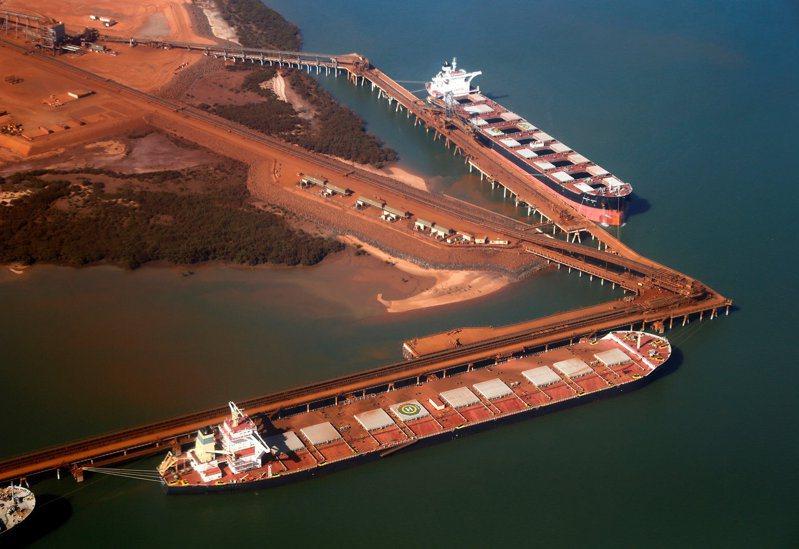 澳洲鐵礦砂出口3月激增,反映經濟可能竹街恢復正常運行。路透