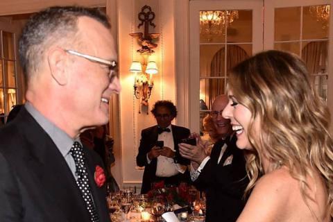 兩屆奧斯卡影帝老公湯姆漢克斯與妻子麗塔威爾森一起感染新冠肺炎,曾經震驚全球影迷。麗塔在確診前,其實已經錄製好「凱莉克萊森秀」的訪談內容並演唱新歌,節目近日終於播出,她提到曾與湯姆漢克斯聊過自己的後事...