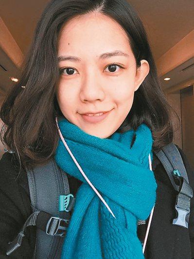 開朗又陽光的楊凱婷,是今年營養師專技高考榜首。 圖/輔英科大提供