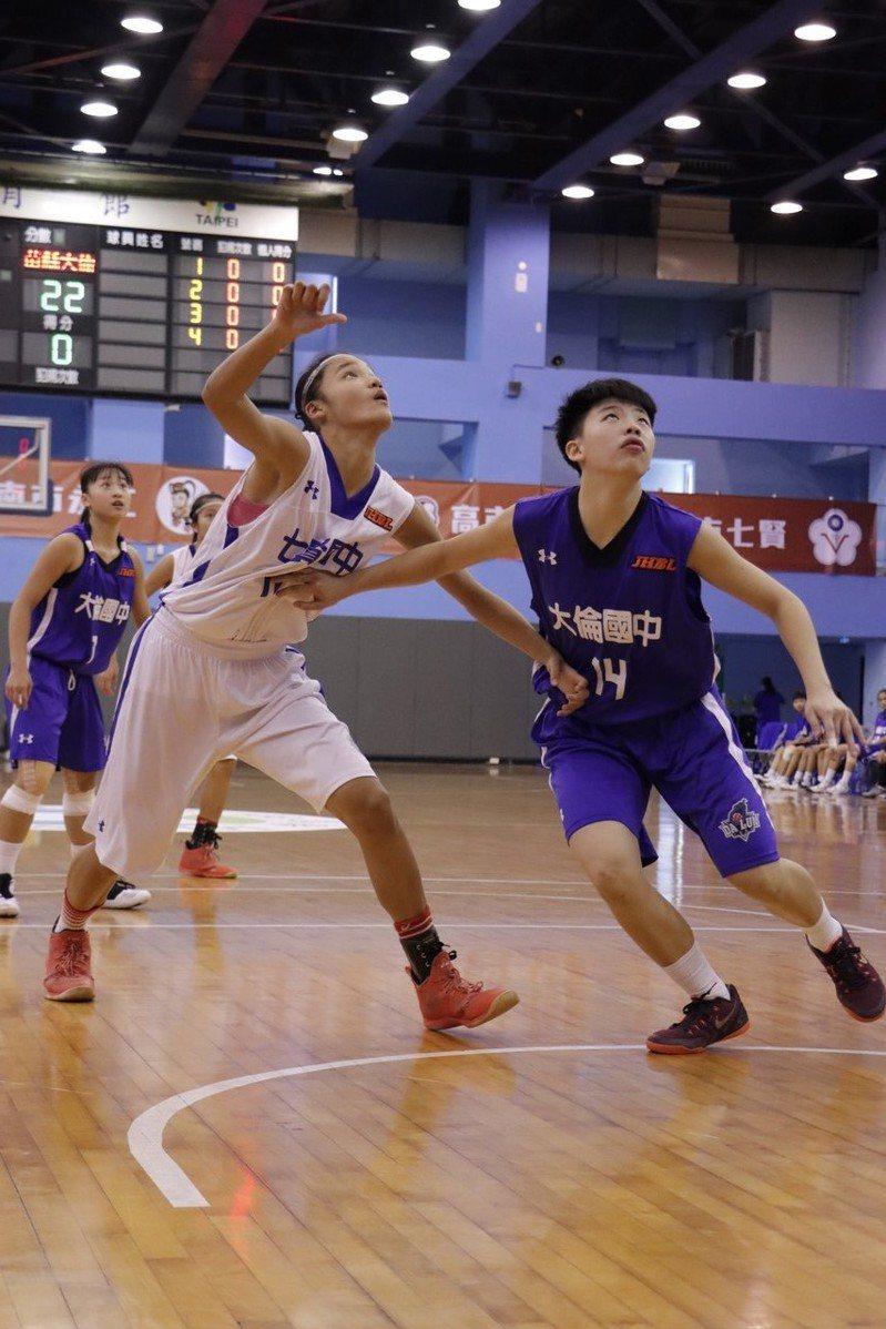 七賢國中大會第一長人蕭豫玟今天拿下26分、27籃板、4抄截、2阻攻。 圖/名衍行銷提供