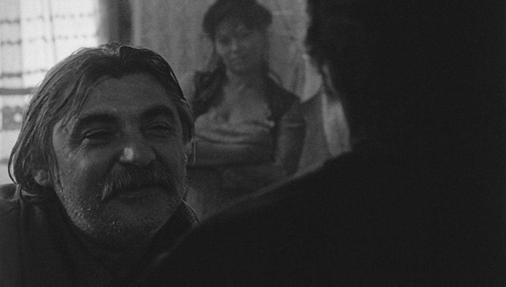 圖/擷自IMDb @ 《撒旦的探戈》(Sátántangó)