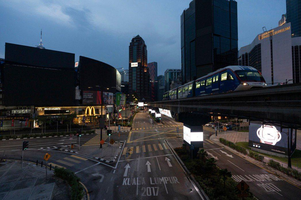 馬來西亞今天新增109起新冠肺炎確診病例,累計達4228例;死亡病例增加2起,累...