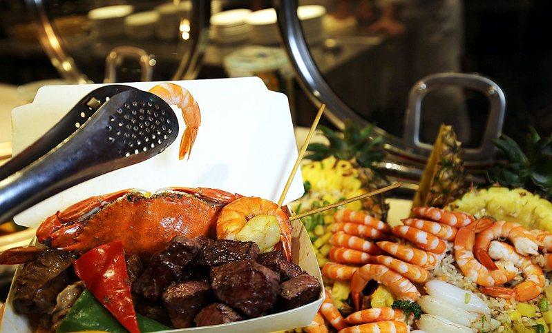飯店餐廳提供餐盒讓顧客開心夾滿滿都沒關係。 圖/台南大億麗緻酒店官網