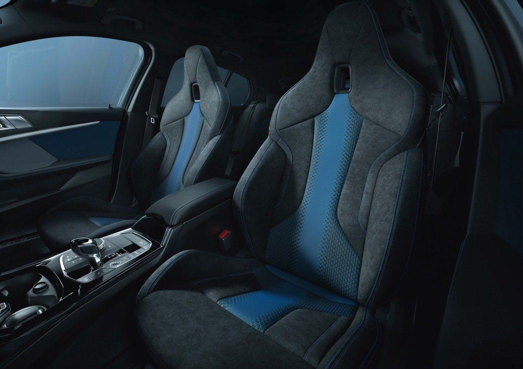 全新BMW 118i Edition M配備Alcantara麂皮與高級織布拼接...