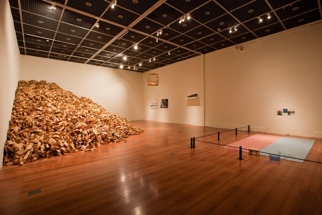 宮津大輔的收藏時常於亞洲各地展出,包含2011年MOCA Taipei《癮行者》...