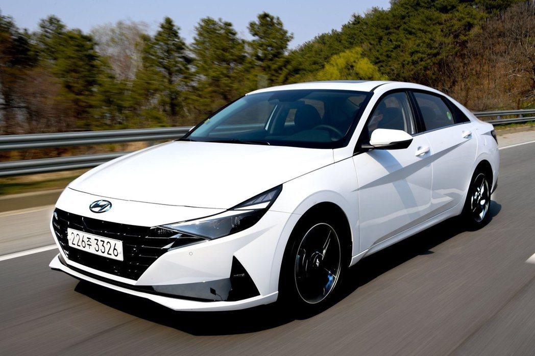第七代Hyundai Elantra/Avante。 摘自Hyundai
